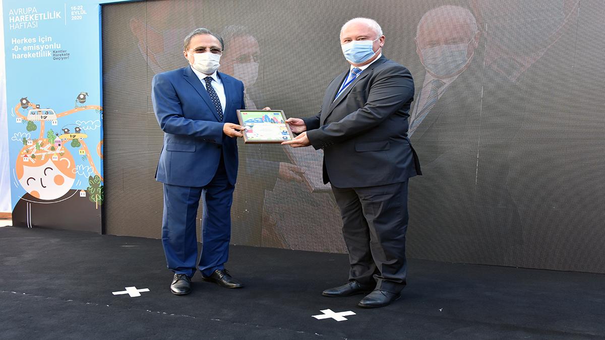 Antalya Büyükşehir Belediyesi 'Belediyeler İçin Bisikletli Ulaşım Fikir ve Proje Uygulama Yarışmasında'  ödül aldı